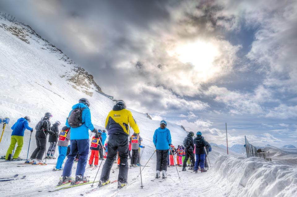 Skier sans se blesser : c'est tout à fait possible ?