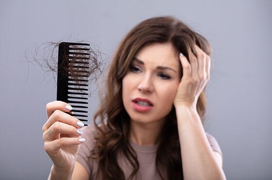 Quel traitement efficace contre la chute des cheveux?